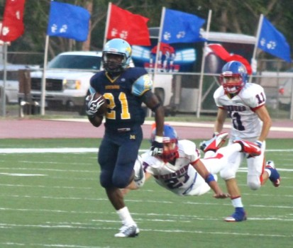 Running back Trevor Speights sprinting for the first touchdown of the game.
